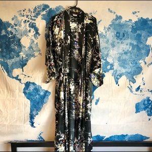 Other - Gorgeous Japanese Silk Kimono Robe